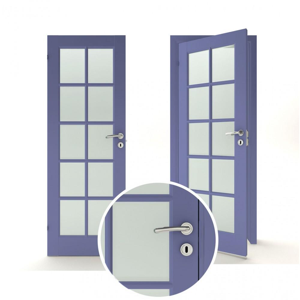 violetinės spalvos vidaus medinės durys skandinaviško dizaino, su su natūraliu ąžuolo lukštu