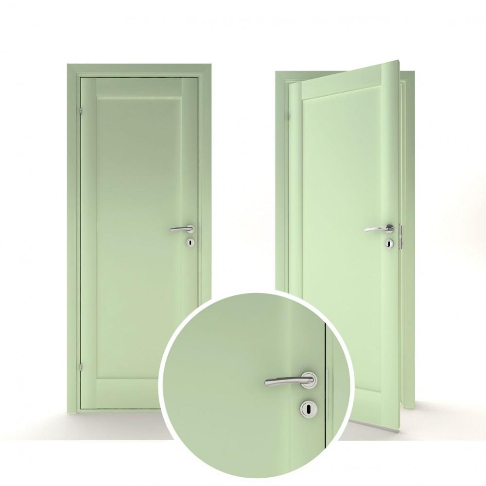 pastelinės žalios spalvos vidaus medinės durys skandinaviško dizaino, su ornamentais