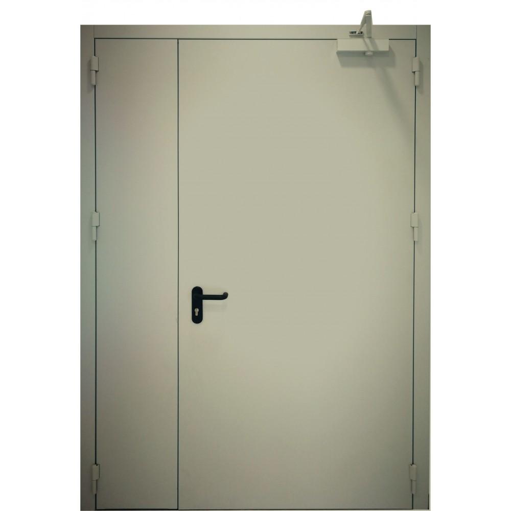 chaki spalvos metalinės dvivėrės lauko durys PROTECTUS, sandarumo dūmams klasė Sa, Sm