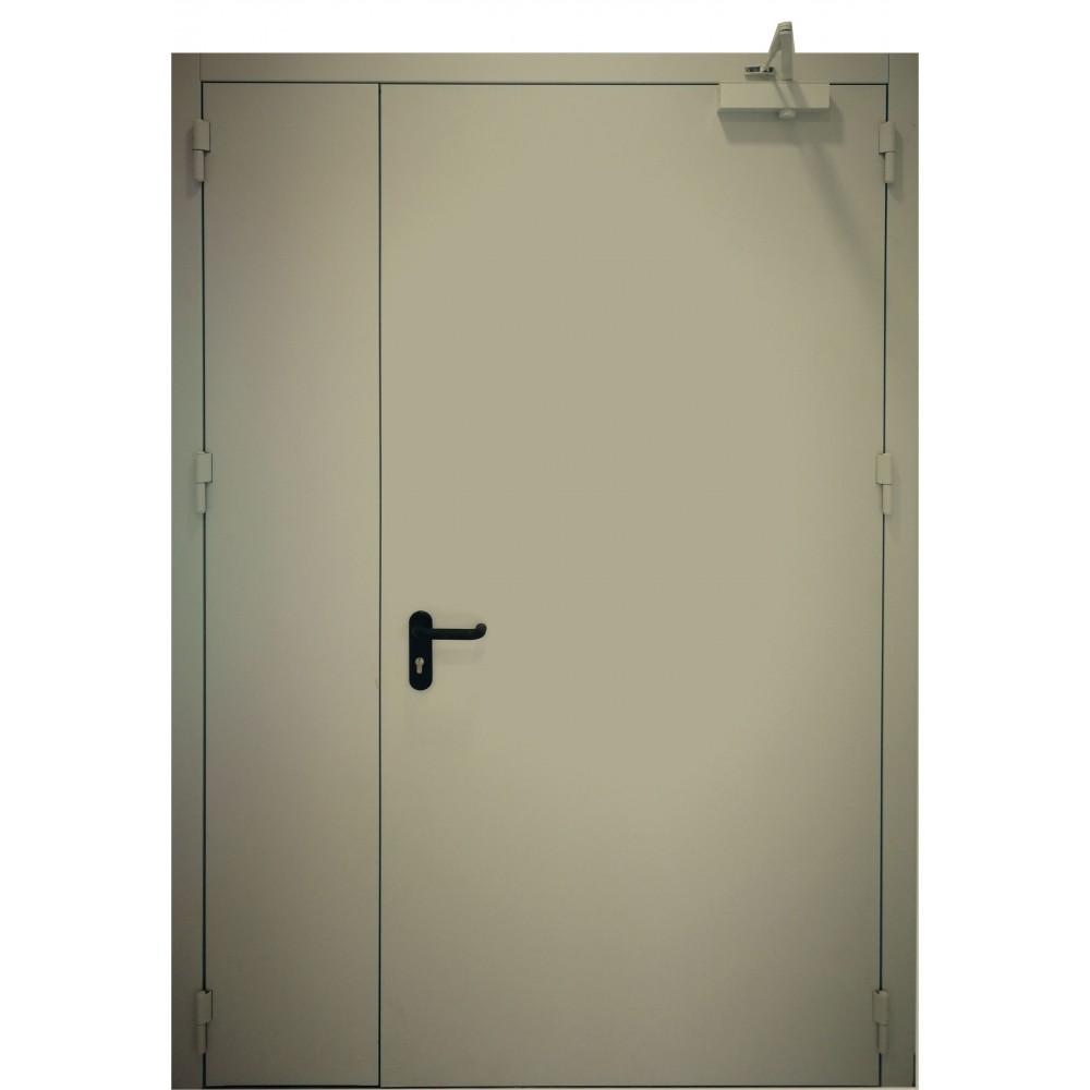 alyvuogių žalios spalvos metalinės dvivėrės lauko durys PROTECTUS, garso izoliacijos rodiklis – 40dB